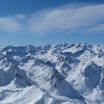 La neige couvre les hauts sommets des Pyrénées un 10 août