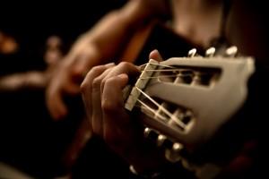 Apprendre à jouer un instrument de musique