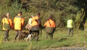 Les habits de sécurité pour un chasseur