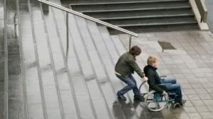 L'importance d'offrir un accès à tous les lieux publics aux personnes à mobilité réduite