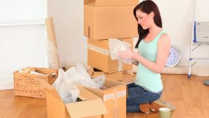 140654539-rent-cardboard-unpacking-removal-move
