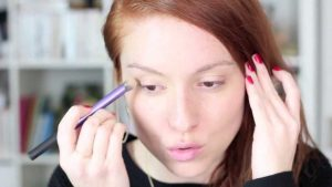 Focus sur la tendance du « no make-up »