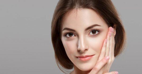 Réaliser un maquillage nude